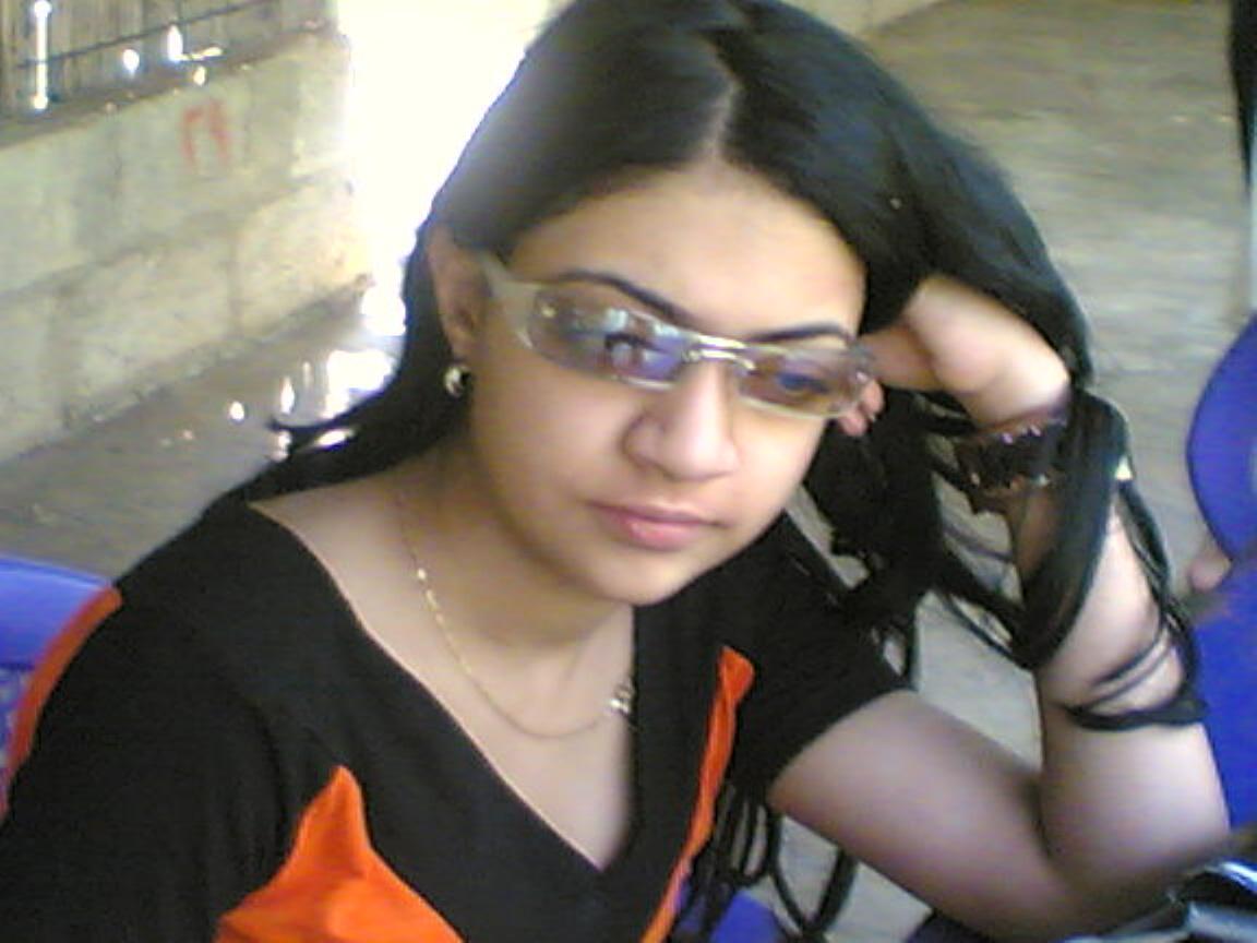 pakistani-sexy-college-girl