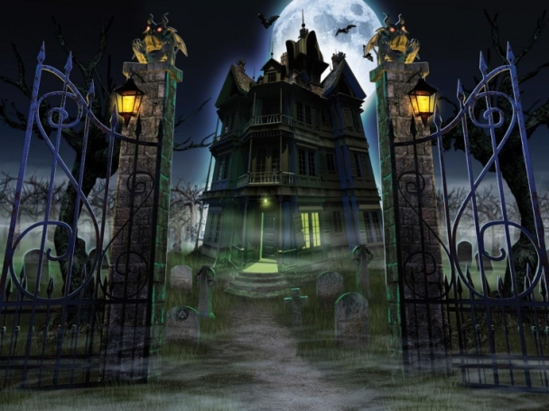 Black And White Haunted House Picture 608x455