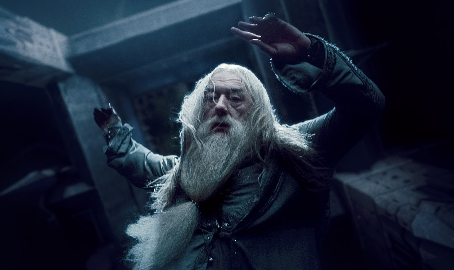 Dumbledore in Harry Potter and the Deathly Hallows Desktop Wallpaper 1800x1073