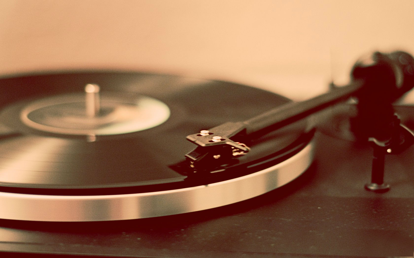 Turntable Record Player Wallpapers   1680x1050   209206 1680x1050
