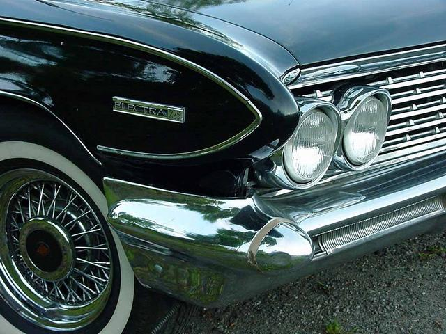 Front view of black color Buick Classic Cars four overview 640x480