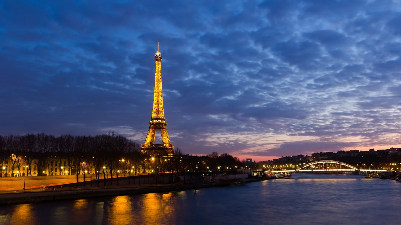 Paris Paris at Night Wallpaper 1600x900
