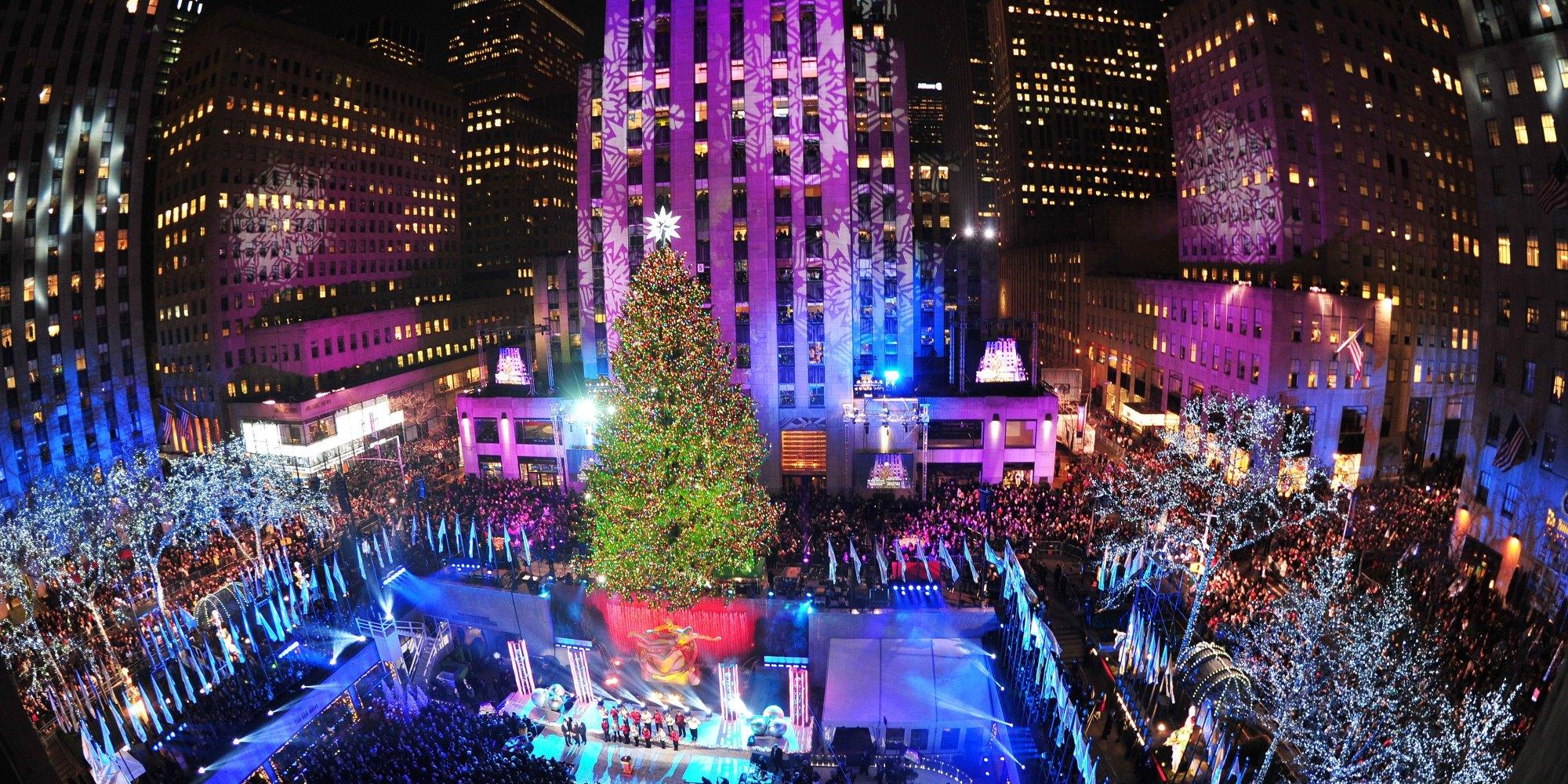 Rockefeller Center Christmas Tree Lights Up PHOTOS 2000x1000