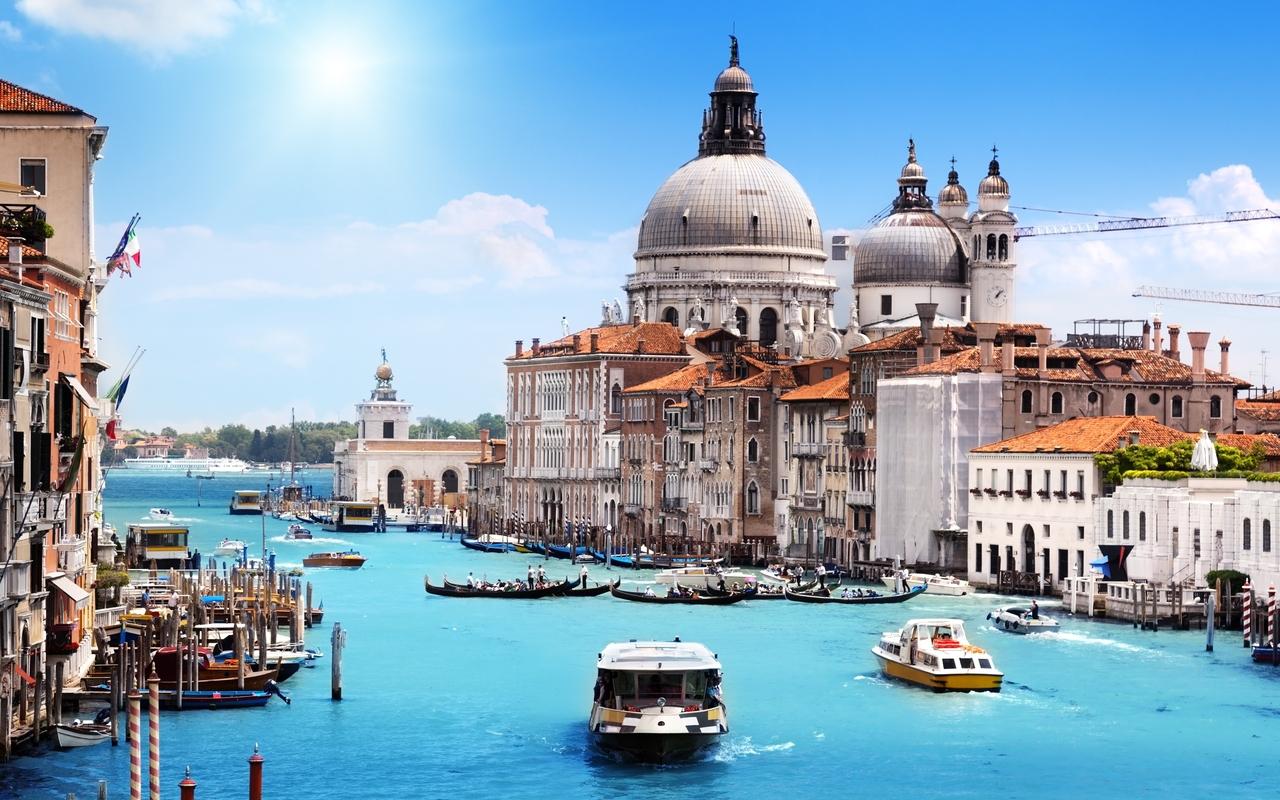 Blue Venice Cityscape Boats HD Wallpaper HD Nature Wallpapers 1280x800