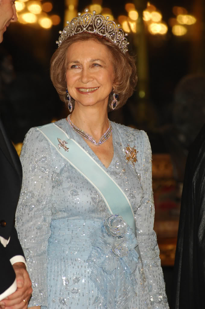 HM Queen Of Spain Graphics Code HM Queen Of Spain Comments 680x1024