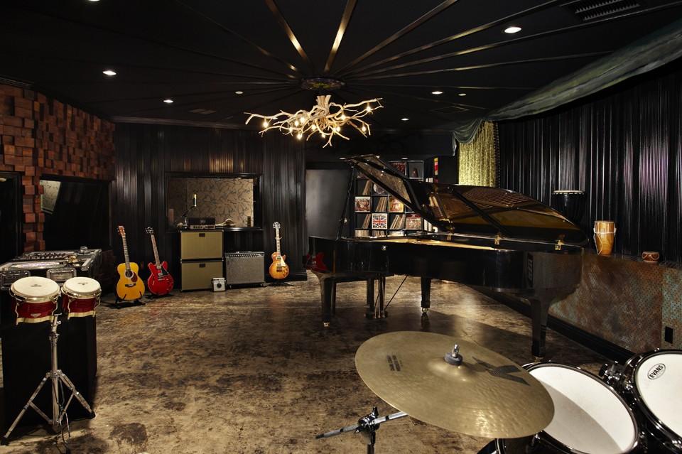 Wallpapers Recording Studio Musical Equipment Professionals Hi Tech 960x639