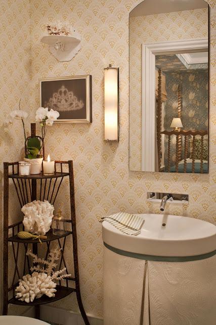 Cheryls Bathroom Wallpaper PicsWallpapercom 427x640