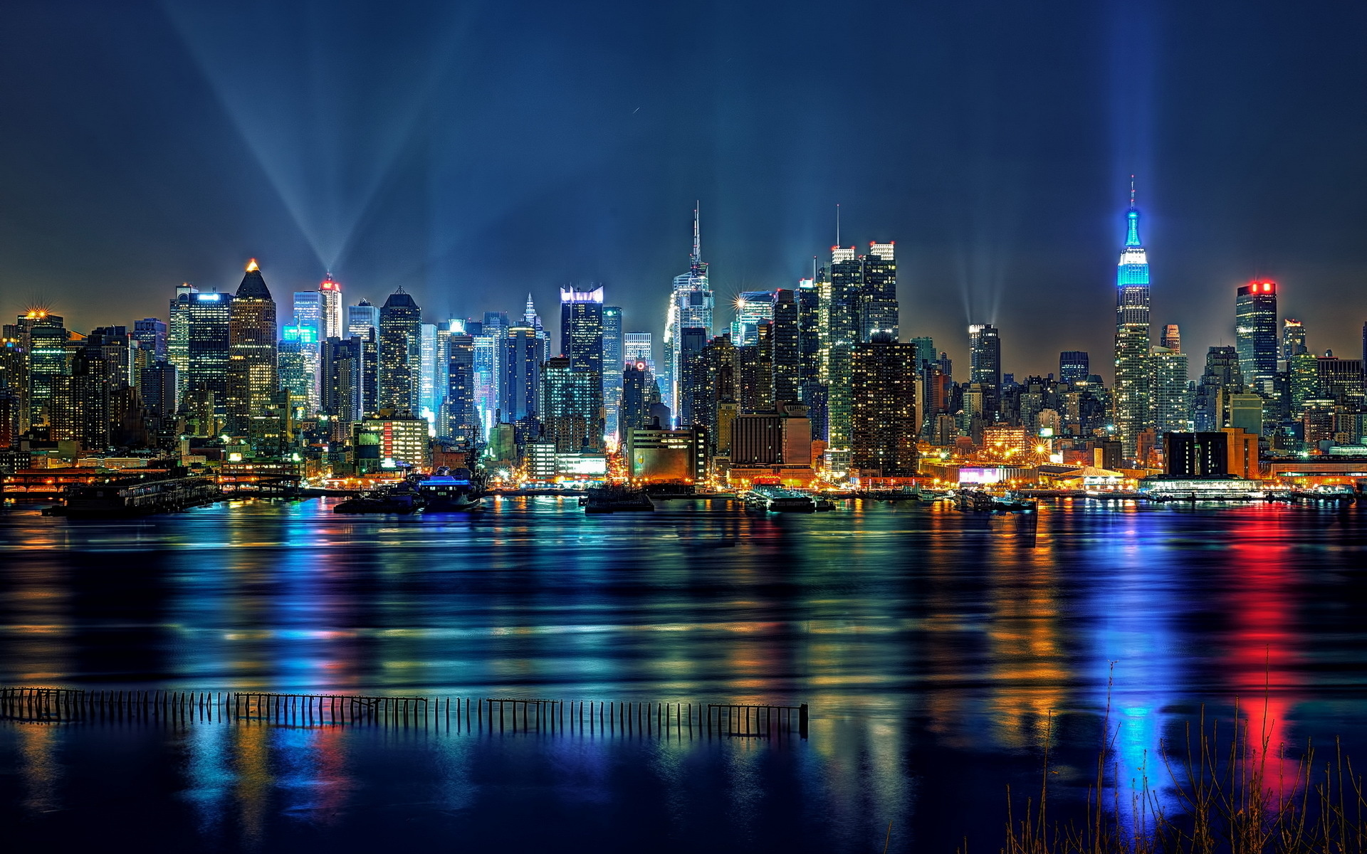 New york city wallpaper skyline wallpapersafari - New york skyline computer wallpaper ...