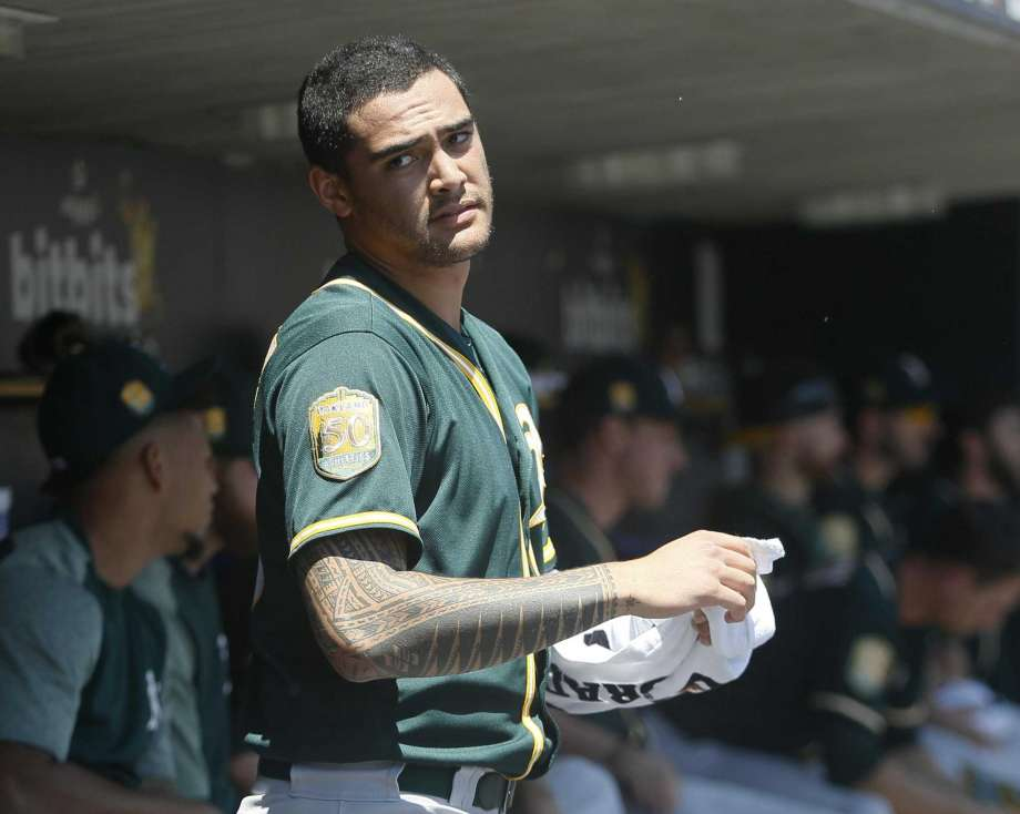 Sean Manaea goes on DL but Chris Bassitt helps As win series at 920x734