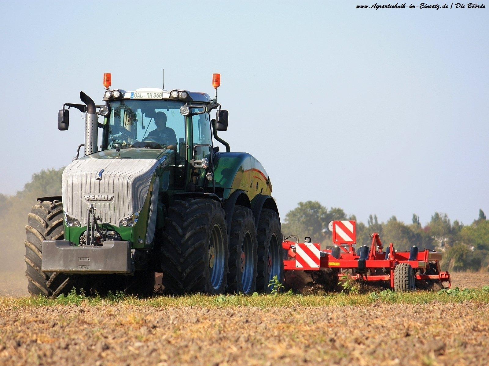 Fendt Trisix Tractor Wallpaper and Background Image 1600x1200 1600x1200