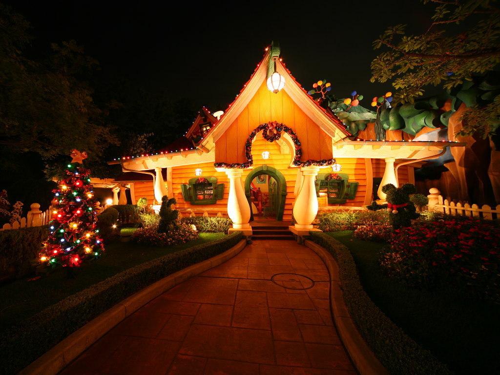 Disney Christmas   Christmas Wallpaper 7491885 1024x768