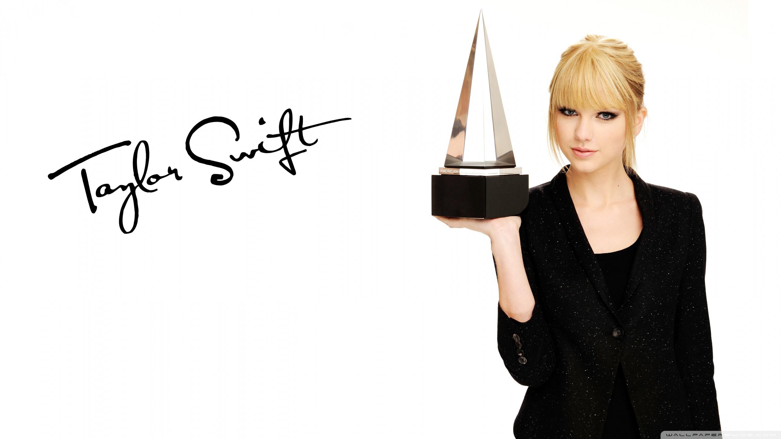 Taylor Swift American Music Awards 4K HD Desktop Wallpaper for 2560x1440
