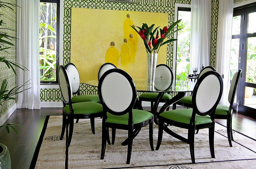 Imperial Trellis Wallpaper in green brings the walls alive [Design 900x595