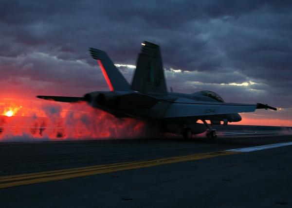 sunsets aircrafts carrier us navy fight ships f18 hornet flight deck 600x428