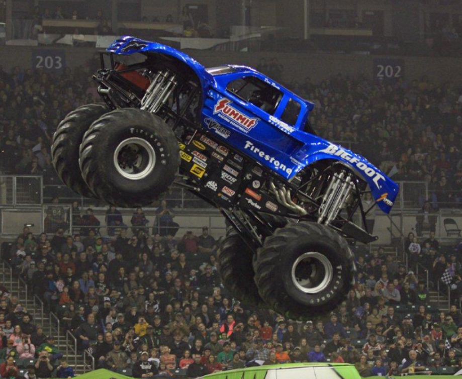 Wallpaper photos of Bob Chandler and monster truck Bigfoot 919x754