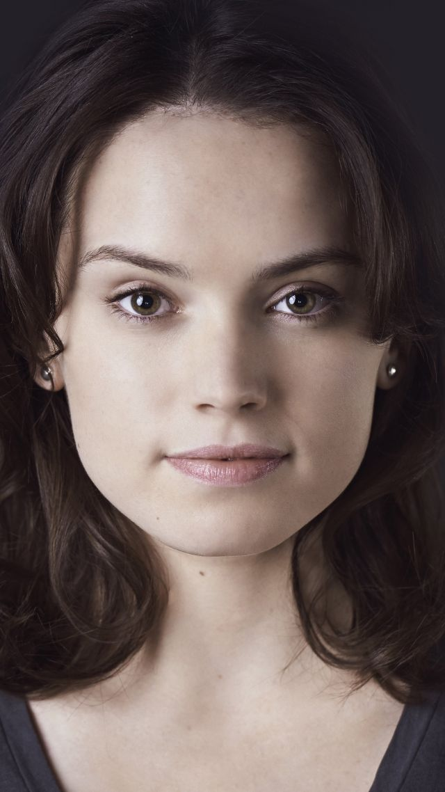Wallpaper Star Wars Episode VII   The Force Awakens Daisy Ridley 640x1138