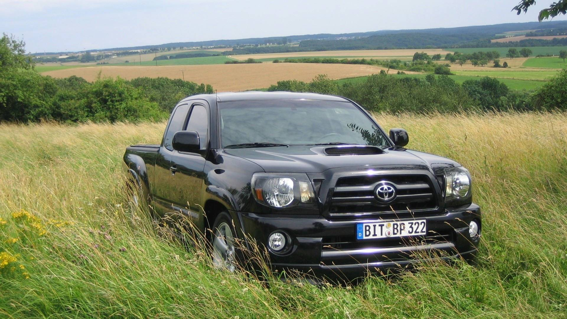 Toyota Tacoma HD Wallpaper 1920x1080