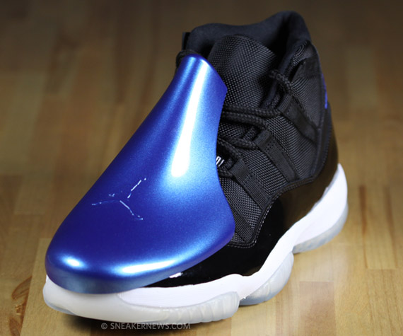 Free Download Air Jordan 11 Space Jam Detailed Photos Wallpapers