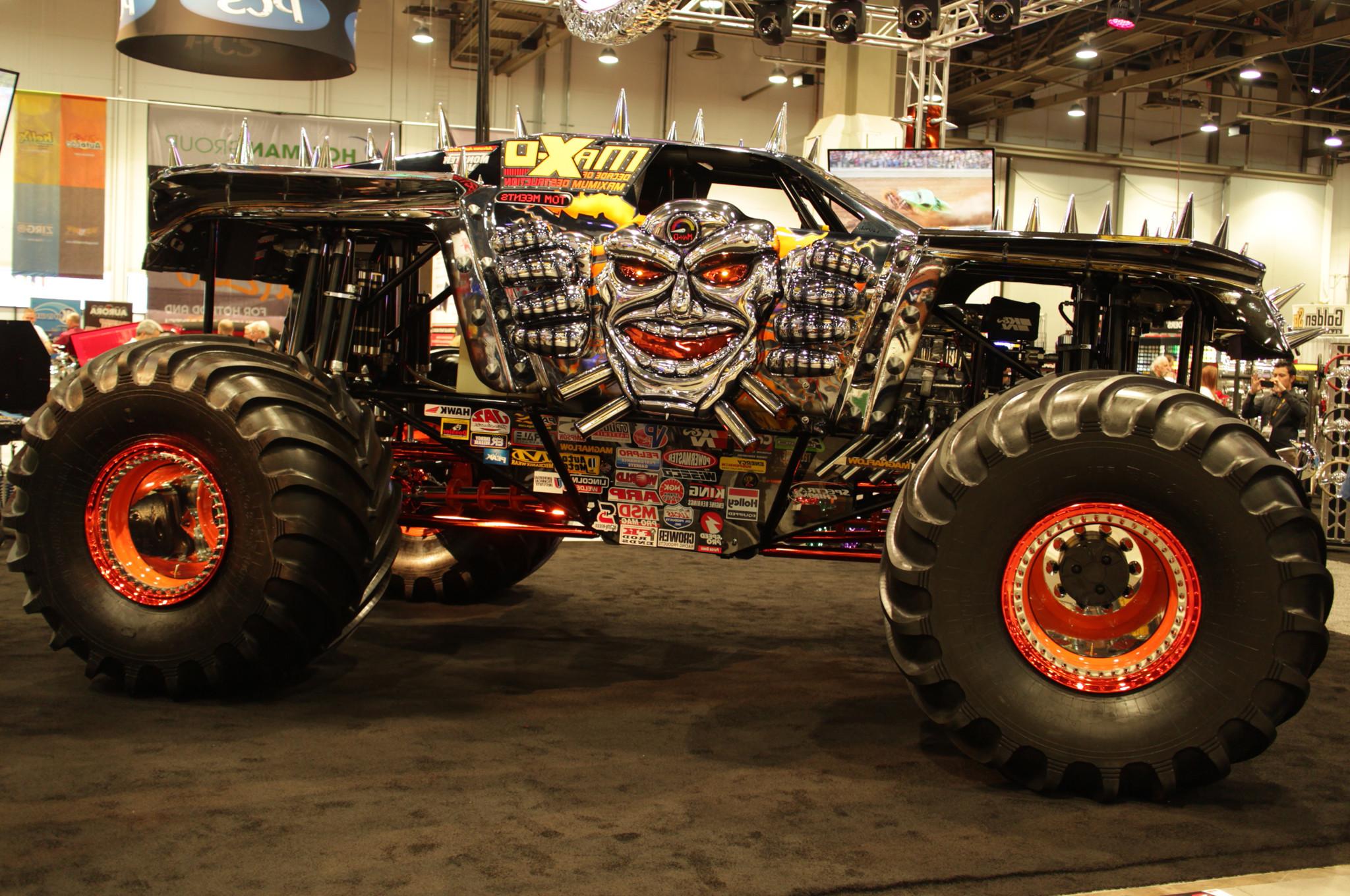 2014 Monster Trucks 16753 Wallpaper Wallpaper hd 2048x1360