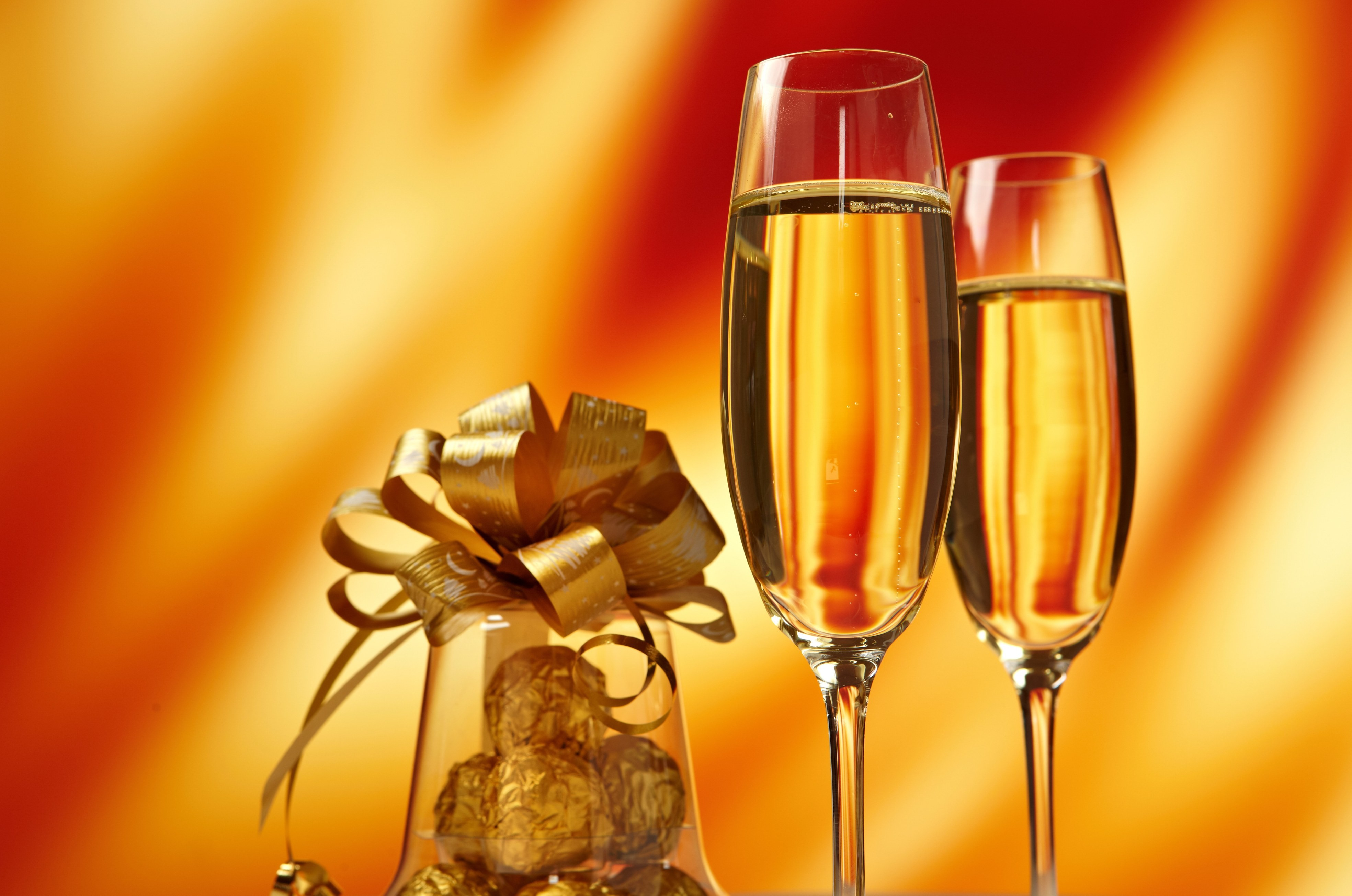 Открытка бокалы с шампанским прикольные