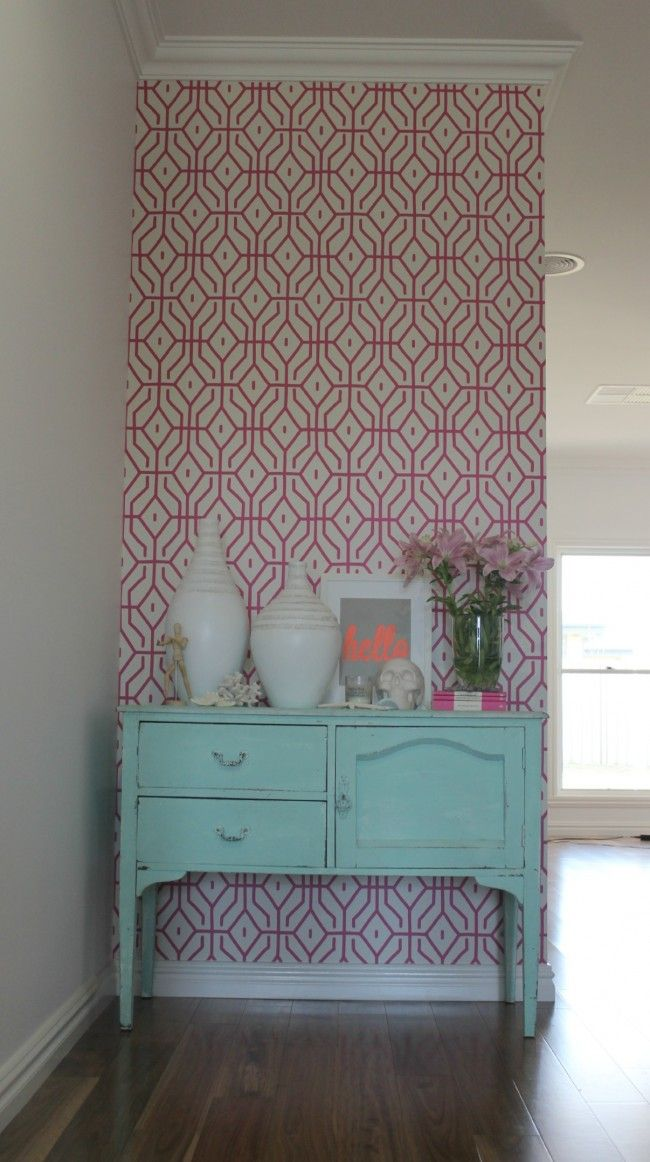 The wallpaper in my house   pink trellis Katrinas New House Pint 650x1162