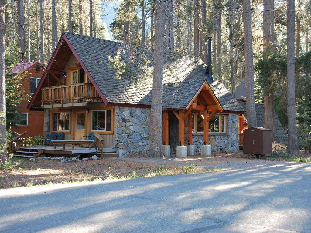 Donner Lake Charmer   West End Stone Cabin   Donner Lake Woods 1024x768