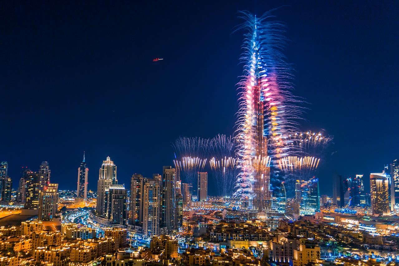 Burj Khalifa New Year Fireworks Desktop Wallpapers 1280x854