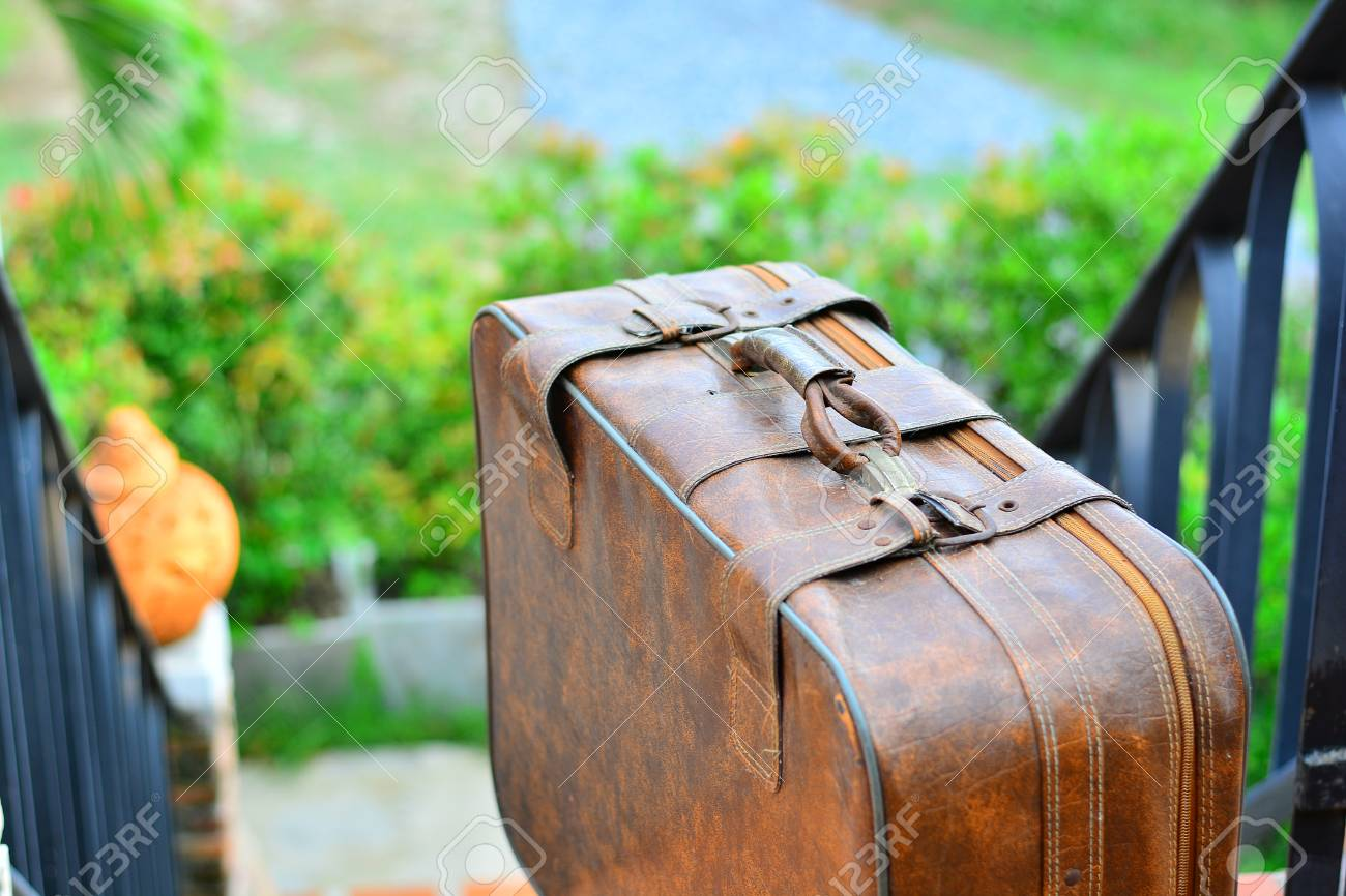 Luggage Brown Luggage Prepare To Relax The Background Blurred 1300x866