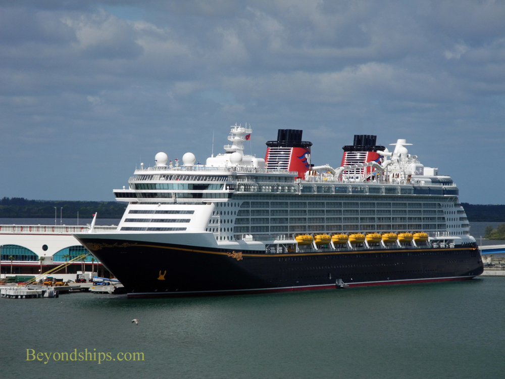 Disney Dream Cruise Ship Elevators 14 1000x750