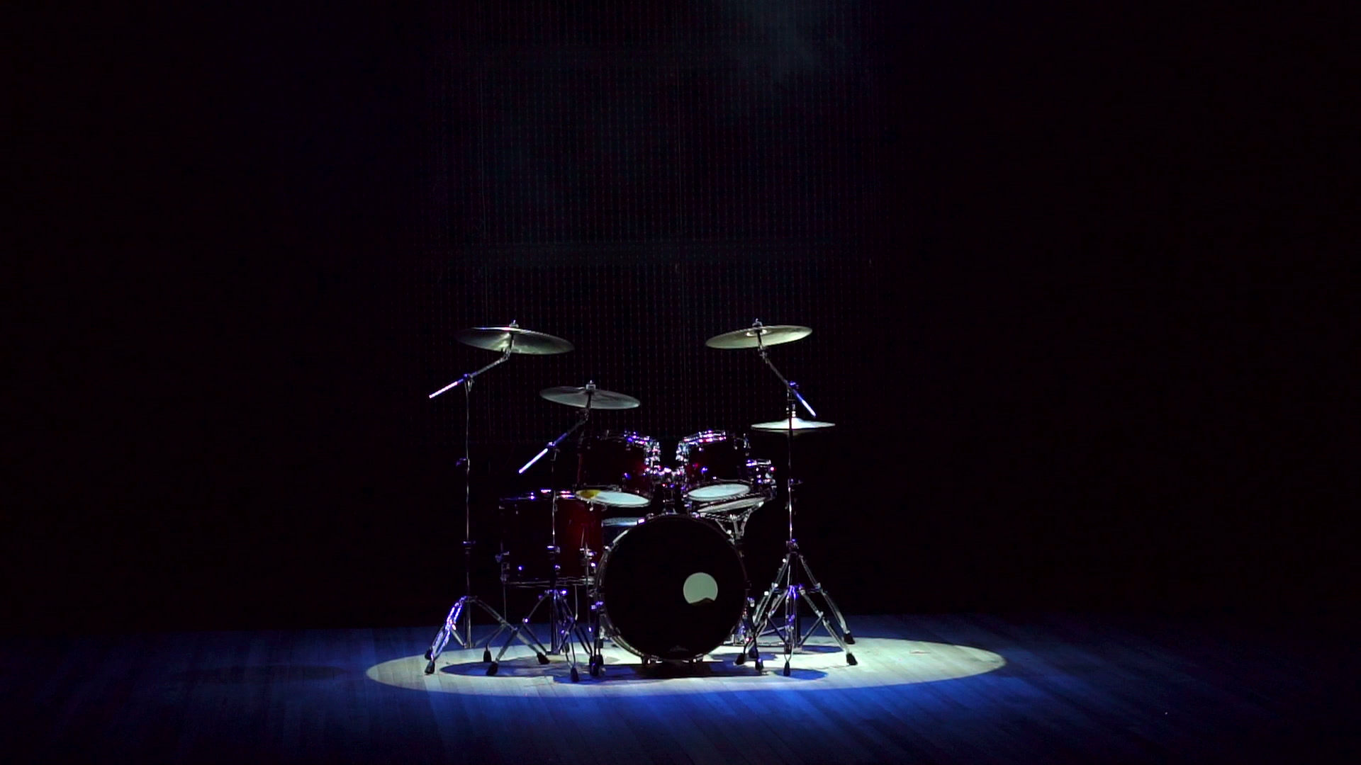 Drum set on a black background on stage Clip 84782267 1920x1080