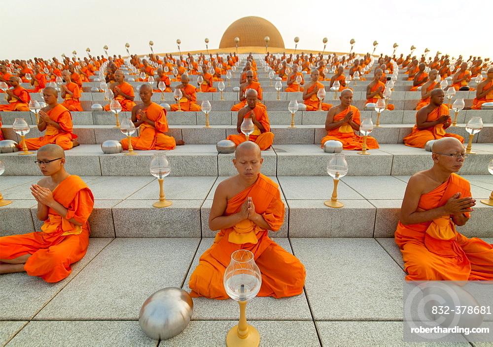 Wat Phra Dhammakaya temple on Stock Photo 1000x704