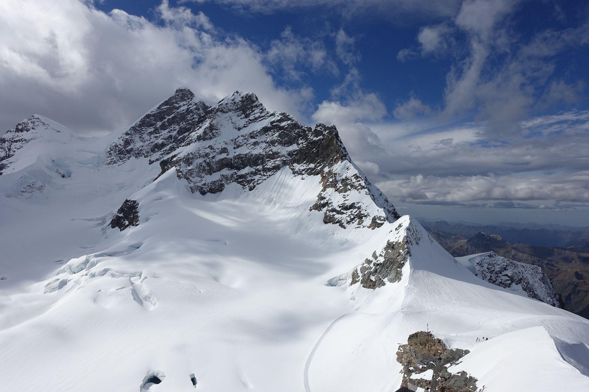Landscape seen from the Jungfrau summit [OC] [2048 x 1365 2048x1365