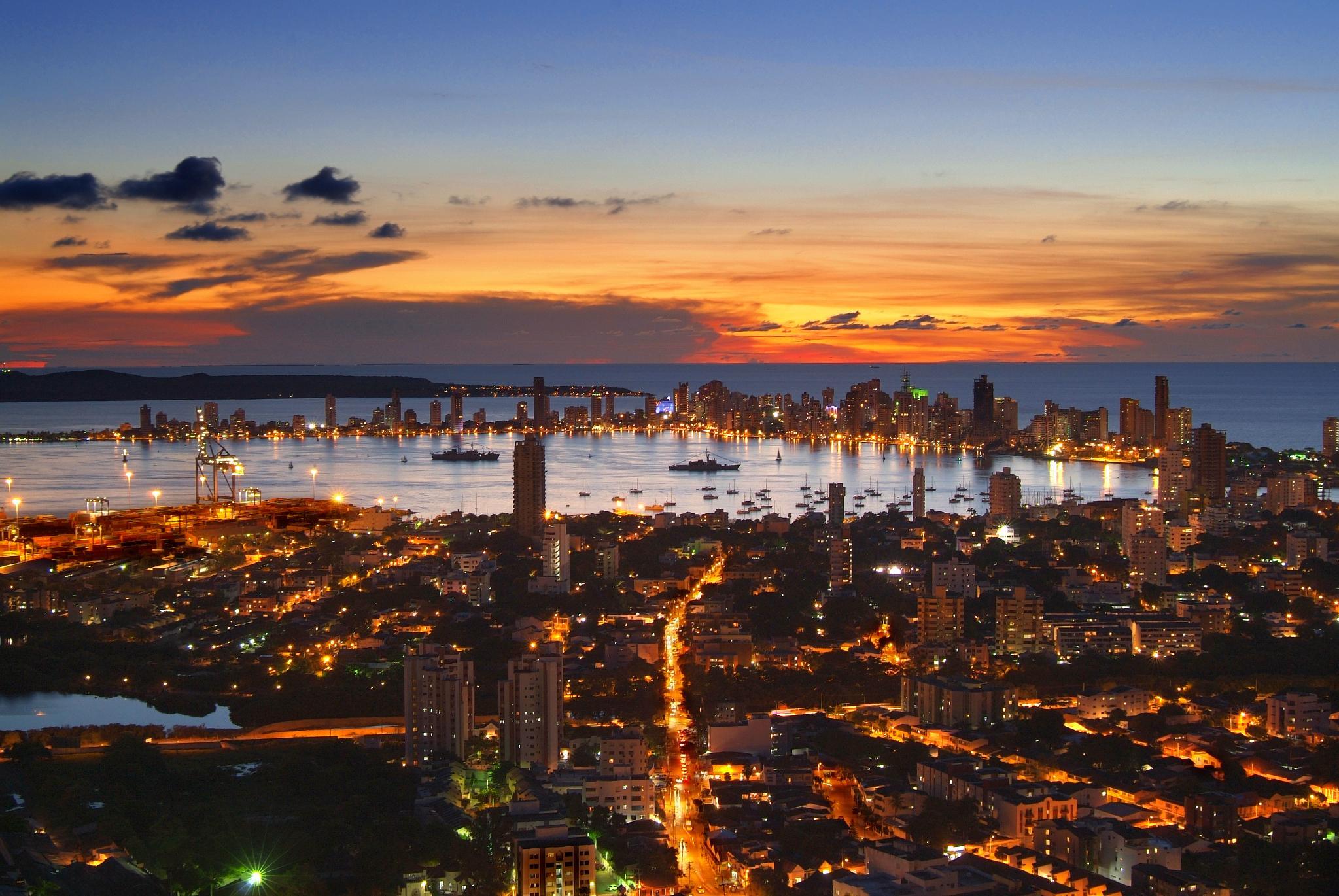 FileAtardecer en Cartagena de Indias desde La Popajpg 2047x1370
