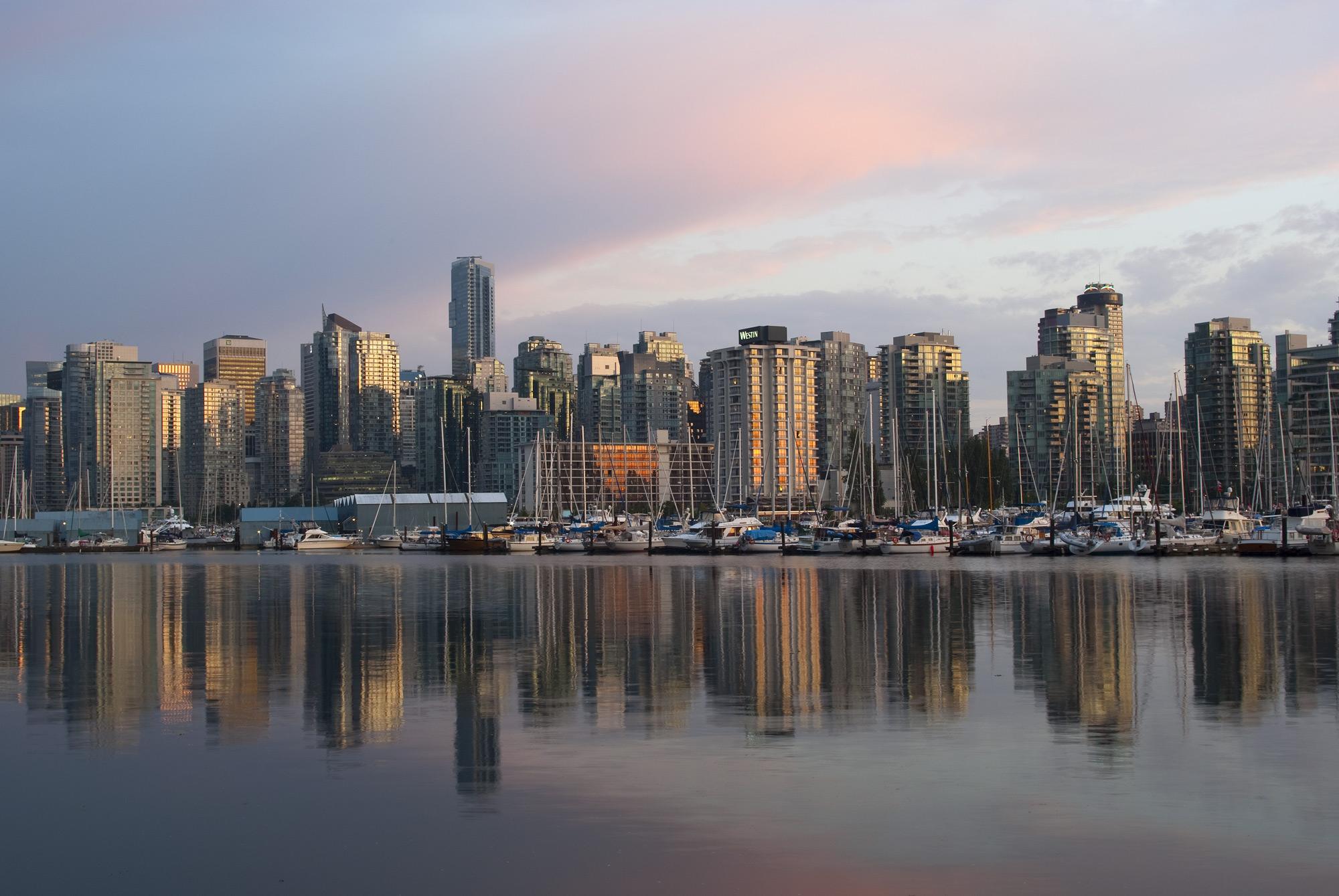 Vancouver Skyline 2000x1339