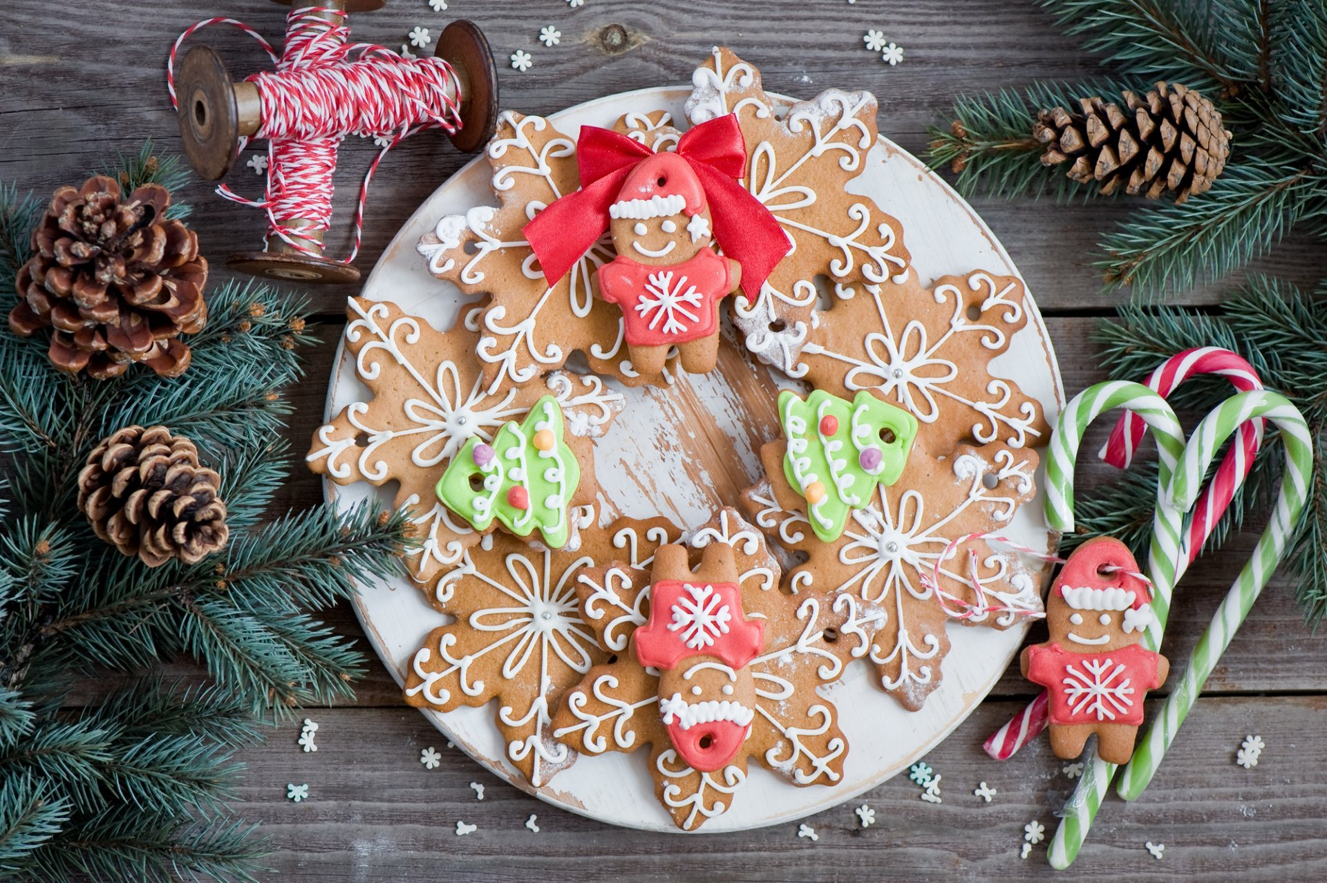 new year christmas food cookies figures snowflakes men 1920x1278