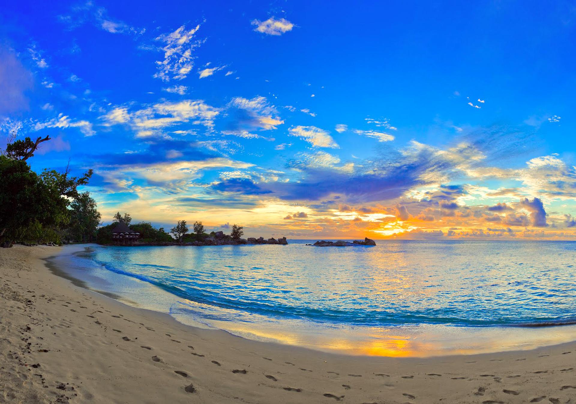 Beach Summer Desktop Background Picture 1920x1345