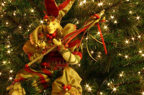 Christmas Desktop Wallpapers Christmas Elves Desktop Wallpapers 500x333