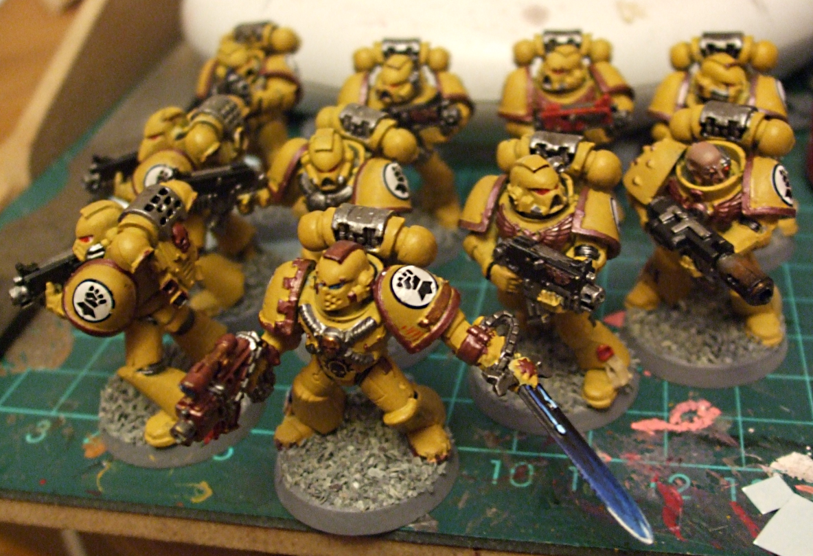 Imperial Fists Squad by Spineyguy 1184x810