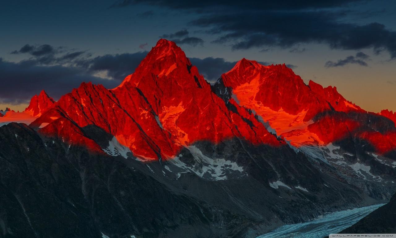 Alpenglow over the Argentiere Glacier France 4K HD Desktop 1280x768