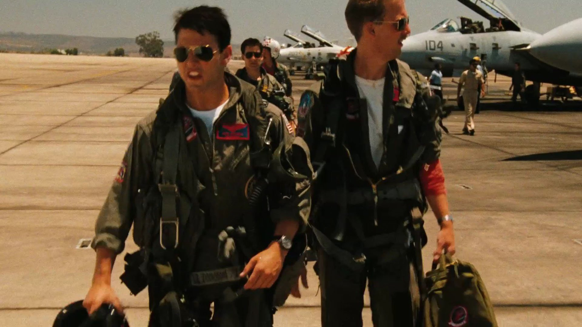 top gun Top gun -the 1986 action / adventure movie featuring tom cruise and kelly mcgillis at the award winning 80s movies rewind 8 pages of info, trailer, pictures and more.