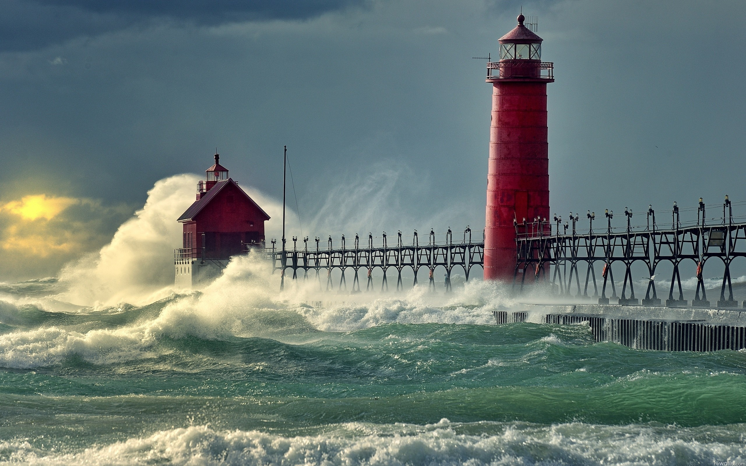 Wallpaper surf waves lighthouse on your desktop Wallpapers 2560x1600