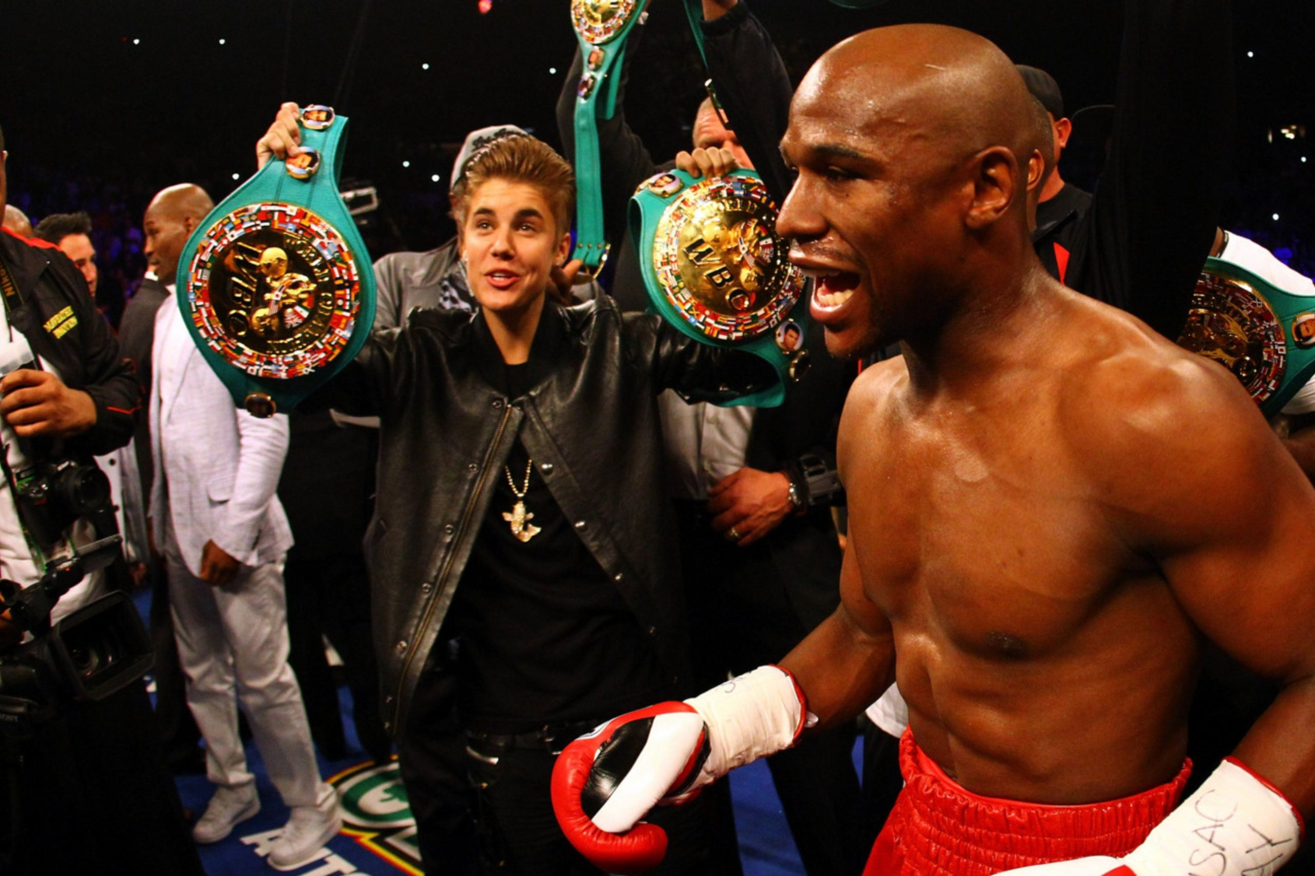 Justin Bieber images Justin Bieber and 50 Cent at Mayweather vs 2560x1706