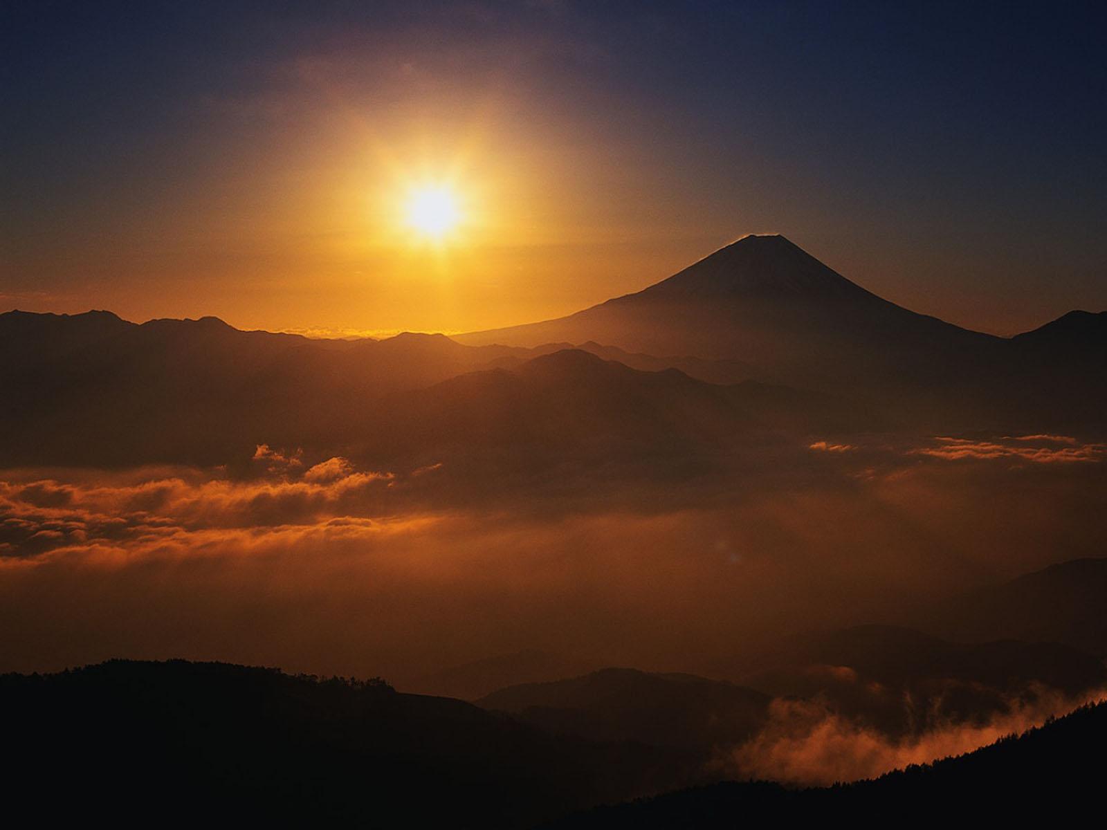 Beautiful Mountain Sunrise Wallpaper images 1600x1200