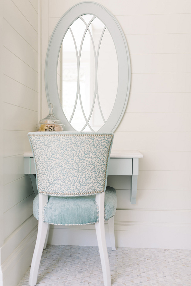 Benjamin Moore White Dove OC 17 Shiplap Wall Paint Color Four Chairs 642x962