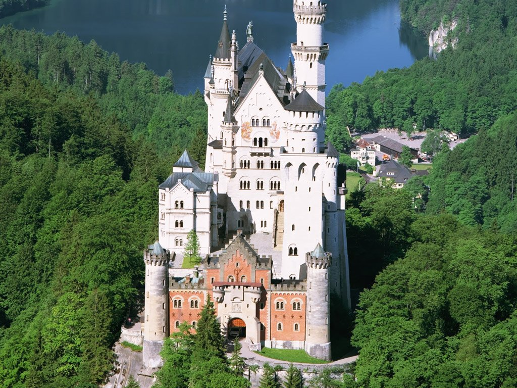 Europe Castles   Castles Hotels   Historic Castles in The World 1024x768
