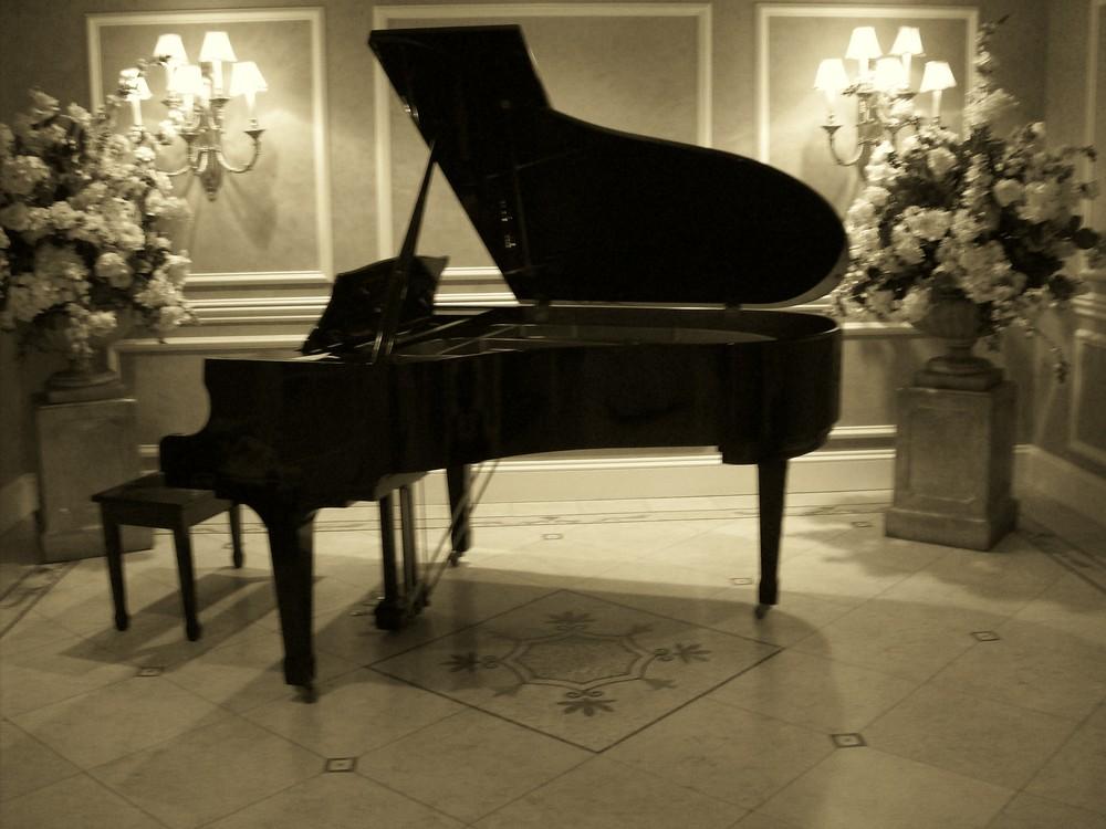 grand piano wallpaper - photo #17