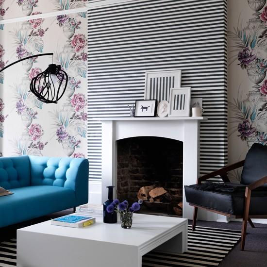 contrasting wallpaper Wallpaper ideas for living rooms Living room 550x550