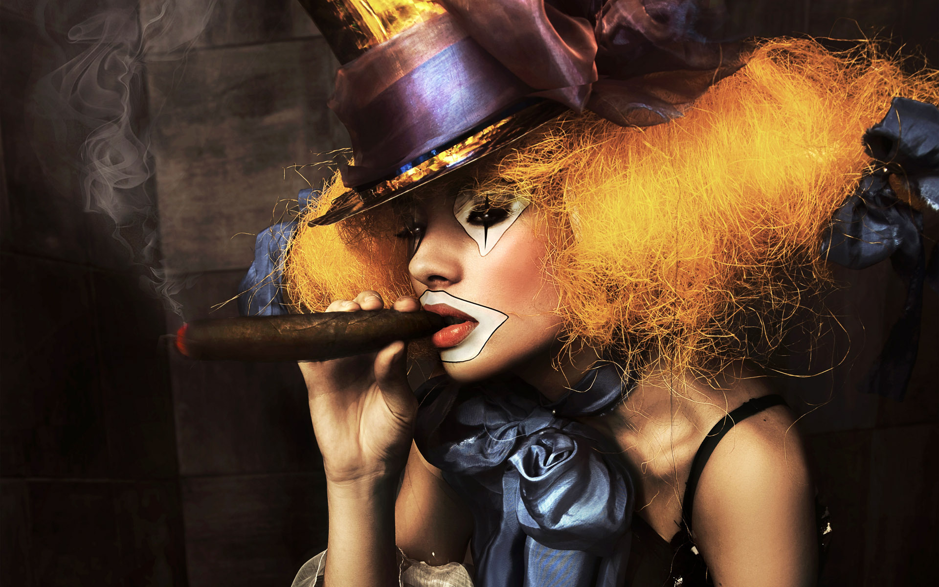 The clown with a cigar wallpapers and images   wallpapers pictures 1920x1200