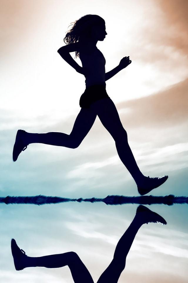 640x960 Girl Running Iphone 4 wallpaper 640x960