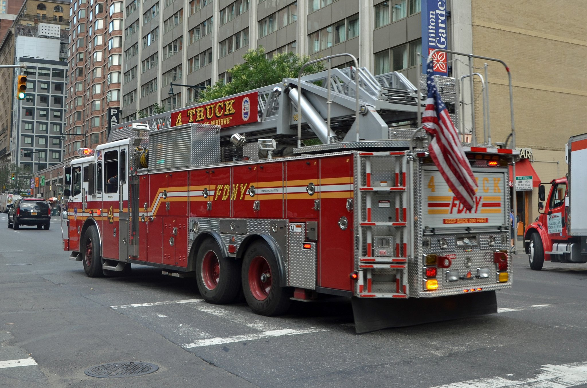 fire fire departments fire truck medic new york F D N Y pompier rescue 2048x1356